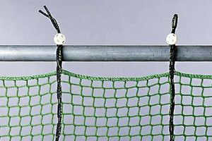 Small mesh side protection net with Isilink clip